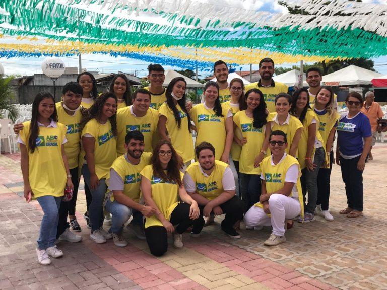 """Ação """"Um Sorriso do Tamanho do Brasil"""" –  Paróquia Santo Antônio de Pádua, Maraponga -CE"""
